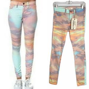 NWT✨PISTOLA Dawn Stretch SkinnyJeans Multi…
